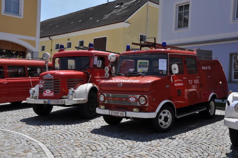 Peuerbacher Maidult mit int. Feuerwehroldtimer-Treffen
